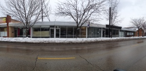 Touhy Avenue: Almost an entire block of vacancies.